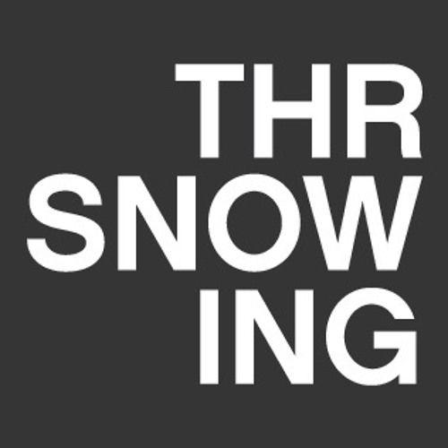 Foto de Throwing Snow