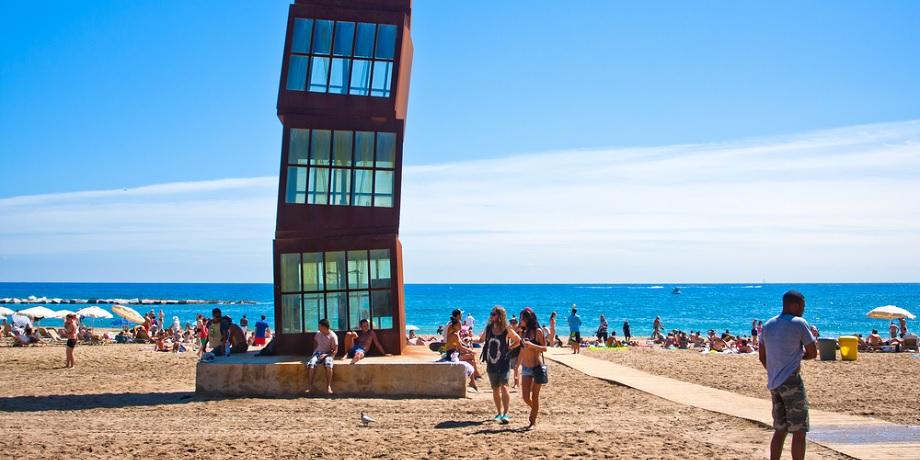 playa de la barceloneta barcelona guia erasmus xceed