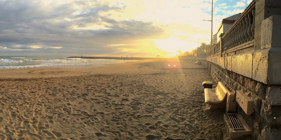 playa de sitges barcelona guia erasmus xceed