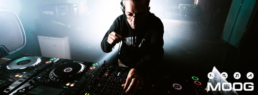 MOOG DJs: RUBEN SEOANE-Eventplakat