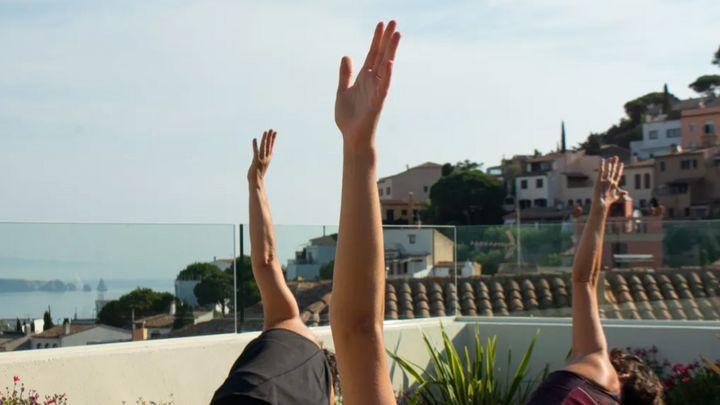 Cover for event: Yoga Vinyasa amb invitada especial (Laura Brunet)